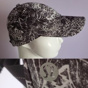 Lululemon | black gray & white ADJUSTABLE BALL CAP